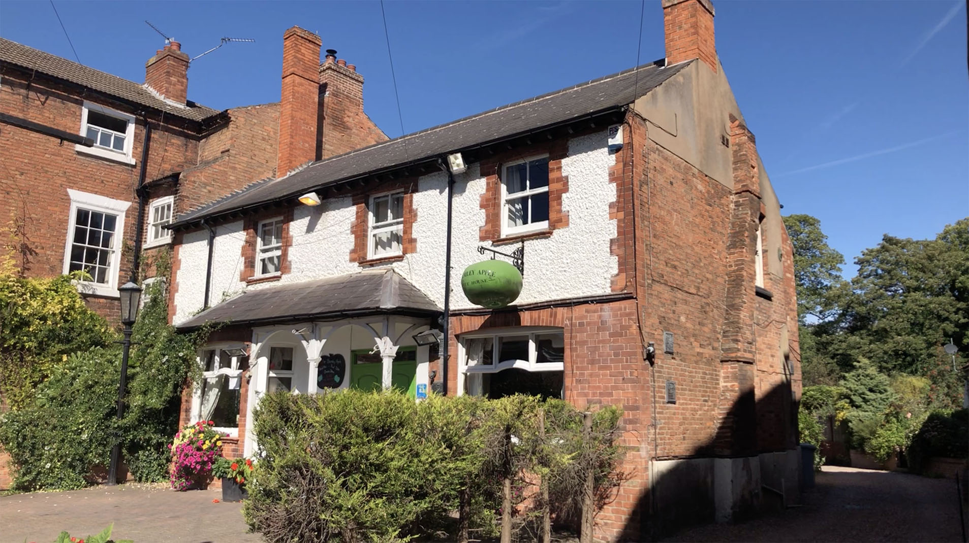 Bramley Apple Inn